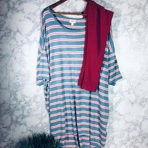 LulaRoe Irma Tunic + Leggings OS
